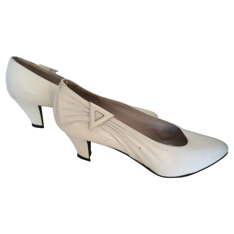 Yves Saint Laurent White Pumps