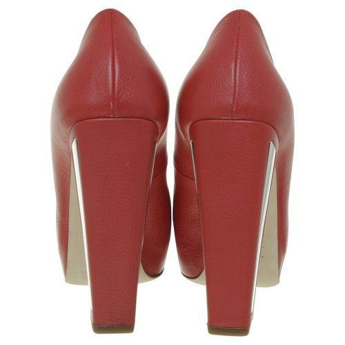 4053a917b84 Christian Dior pumps in red - Second Hand Christian Dior pumps in ...