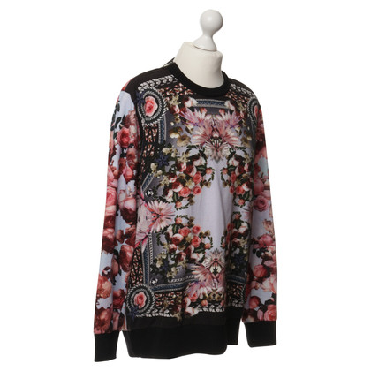 Givenchy Sweatshirt pattern