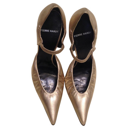 Pierre Hardy Pumps in Gold-Metallic