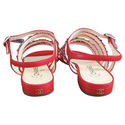 Chanel Rote Sandalen