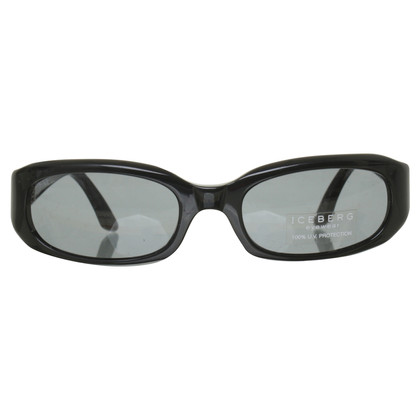 Iceberg Sunglasses in black