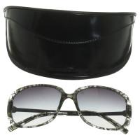 salvatore ferragamo sonnenbrille mit muster second hand salvatore ferragamo sonnenbrille mit. Black Bedroom Furniture Sets. Home Design Ideas