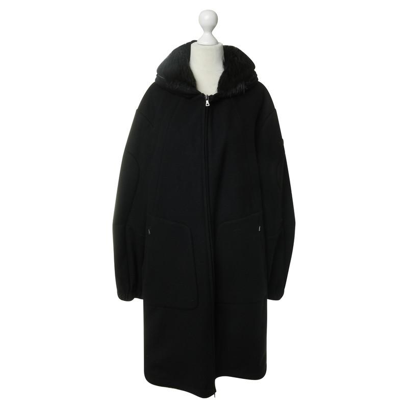 prada oversize mantel in schwarz second hand prada. Black Bedroom Furniture Sets. Home Design Ideas