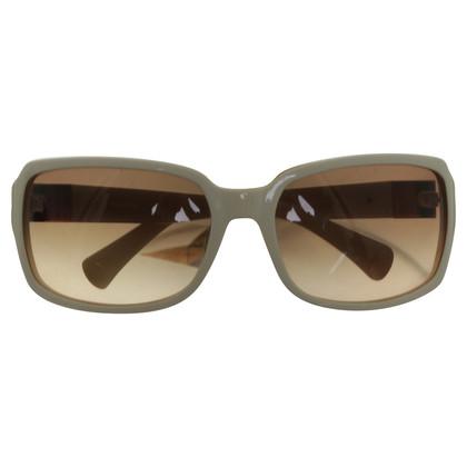 Vera Wang Sunglasses in white