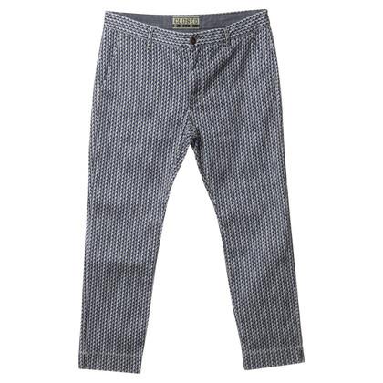 Closed Pantaloni con motivi grafici