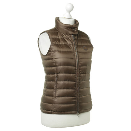 Closed Vest in bruin