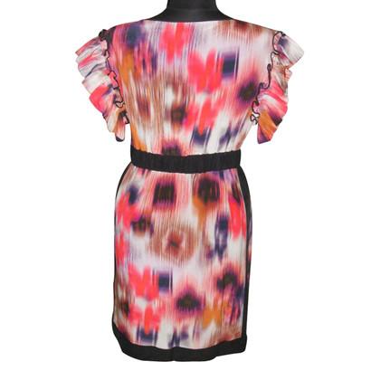 Pinko zijden jurk met batik patronen