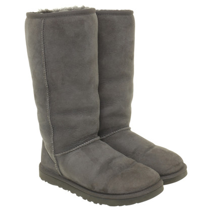 Ugg Boots made of sheepskin