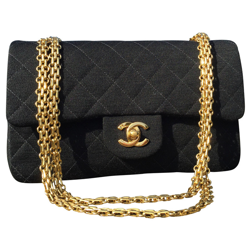 chanel tasche in anthrazit second hand chanel tasche in. Black Bedroom Furniture Sets. Home Design Ideas