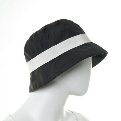 Moncler Cappello da pioggia in nero