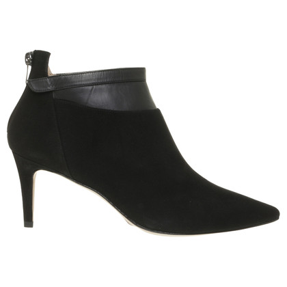 Pura Lopez Ankle boot in black