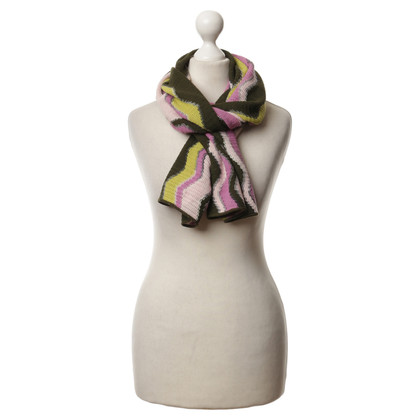 Missoni Scarf with zigzag patterns