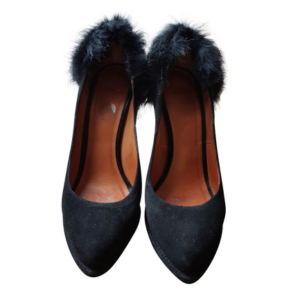 Givenchy Zwarte suede pumps met bont