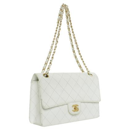 Chanel Schultertasche in Weiß