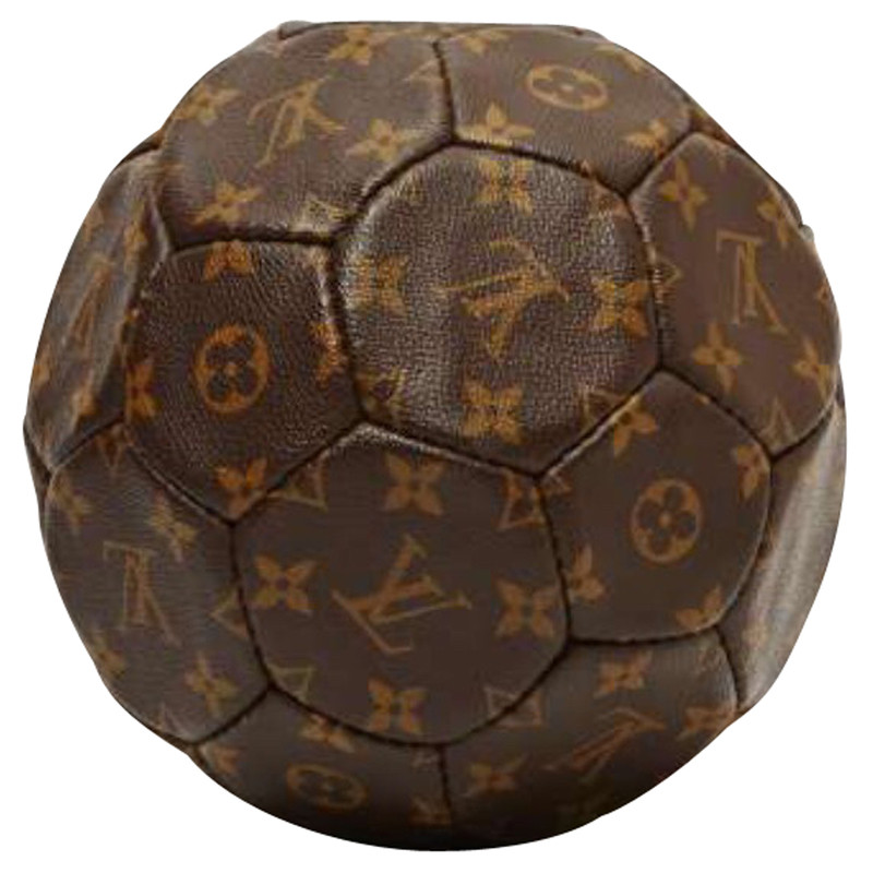 louis vuitton football in monogram buy second hand louis vuitton football in monogram for. Black Bedroom Furniture Sets. Home Design Ideas