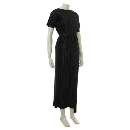 Issey Miyake Pleated dress in black