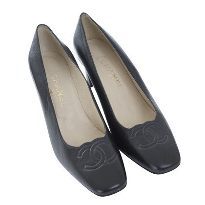 Chanel Ongedragen! pumps