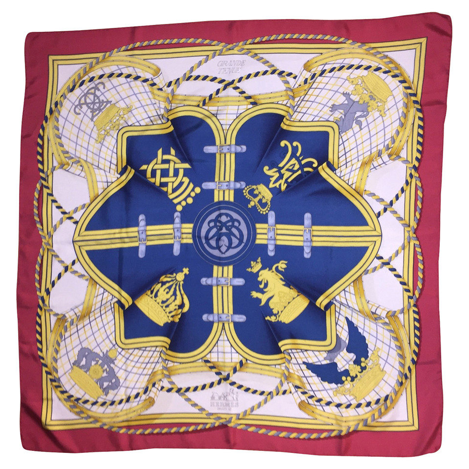herm s foulard de soie acheter herm s foulard de soie second hand d 39 occasion pour 290 00. Black Bedroom Furniture Sets. Home Design Ideas