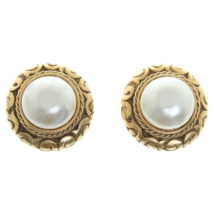 Chanel Clip oorbellen met parel