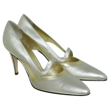 Escada Pumps in the Golden hue