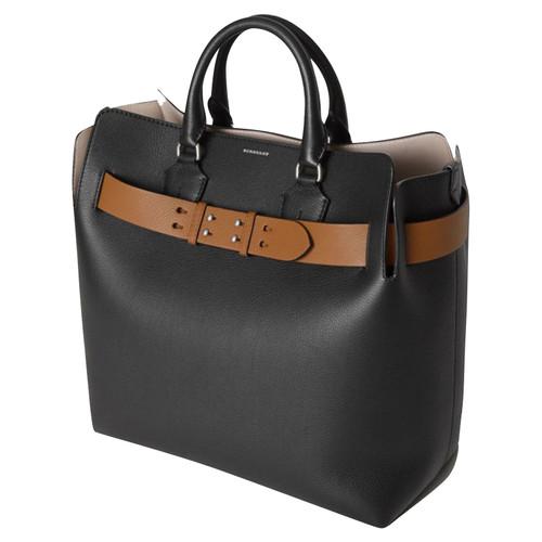 33fc000e13e Burberry Handbag Leather in Black - Second Hand Burberry Handbag ...