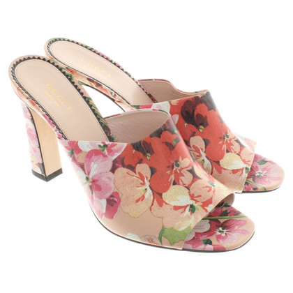 Gucci Sandals with a floral print
