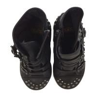 Ash Sneaker with sledding hook