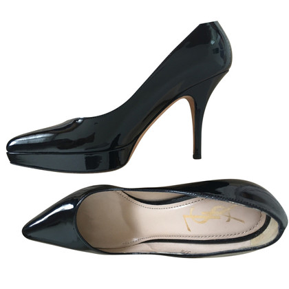 Yves Saint Laurent pumps made of lacquered leather