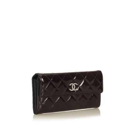Chanel Portafoglio in pelle verniciata con trapuntato