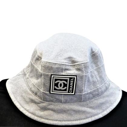 Chanel cappello