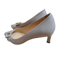 Tod's pumps in light gray