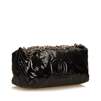 Chanel Lackleder Kette Duffel Bag