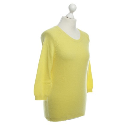 Allude Cashmere sweaters in yellow