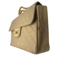 Chanel Chanel Timeless jumbo in beige leather