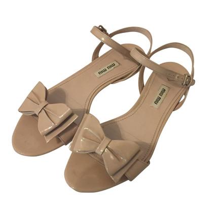 Miu Miu Sandalen mit Schleife