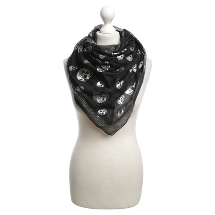 Alexander McQueen Silk scarf in black / silver