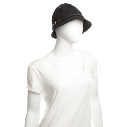 Burberry Sports hat in black