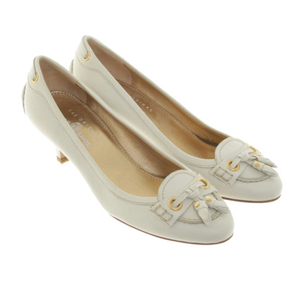 Car Shoe pumps in cream
