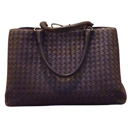 Bottega Veneta Handbag with Intrecciato braid pattern