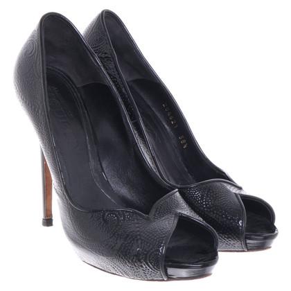 Alexander McQueen Peep-toes in black