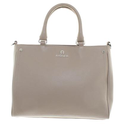 aigner handtasche in grau second hand aigner handtasche in grau gebraucht kaufen f r 279 00. Black Bedroom Furniture Sets. Home Design Ideas