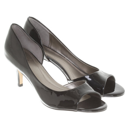 Tahari pumps in lakleder