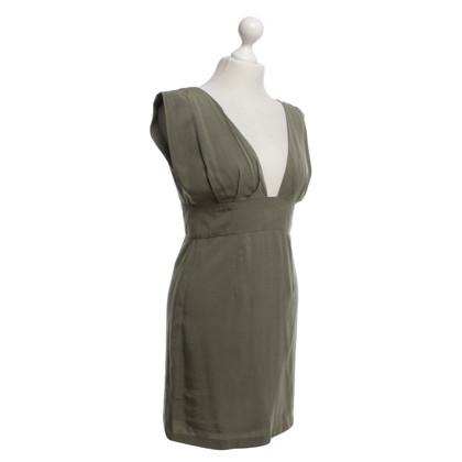 Gestuz couleur olive robe