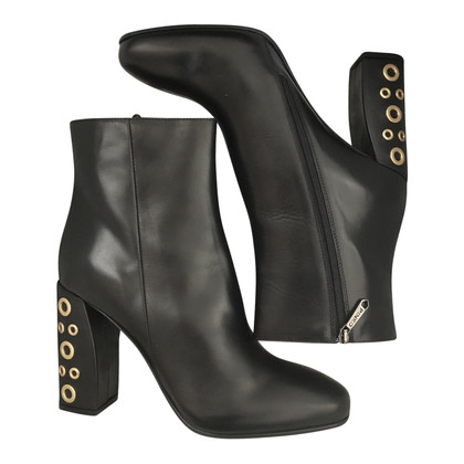 Pinko leather boots