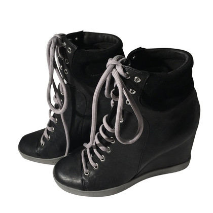 See by Chloé See by Cloe black boots