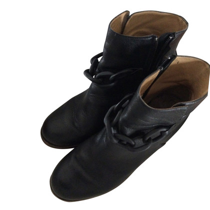 MM6 by Maison Margiela  Leather ankle boots in black
