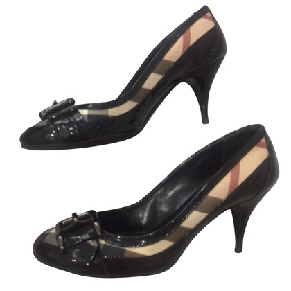 Burberry Pumps mit Nova-Check Muster