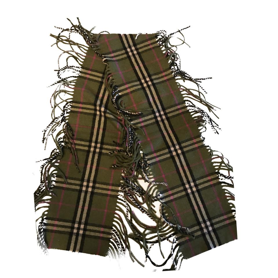 burberry schal second hand burberry schal gebraucht kaufen f r 110 00 2362775. Black Bedroom Furniture Sets. Home Design Ideas