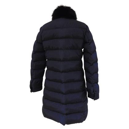 Prada manteau de duvet avec de la fourrure